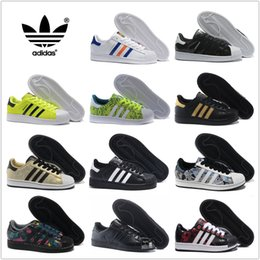 Wholesale 80 Colors Men Women Original super Adidas superstar for women and men GOLD and black FREE super star Foundation