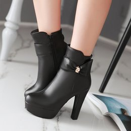 Bowknot is sexy short boots Ladies fashion short boots Autumn and winter ladies favorite boots Quality assurance Exempt postage