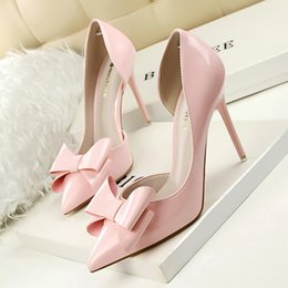 Wholesale Ladies Fashion Red High Heels - Sweet elegant Lady OL single shoes fashion hollow out patent leather bowknot pointed toe high heels pumps for party 638-3