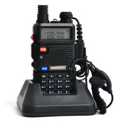 2017 deux radios bidirectionnelles vente La vente chaude BAOFENG UV-5R Walkie Talkie double bande la radio 136-174Mhz 400-520Mhz la main la radio bidirectionnelle libèrent l'expédition promotion deux radios bidirectionnelles vente