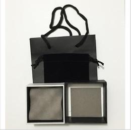 Wholesale Ensemble de bijoux de marque de mode sets fixé pour les boucles d oreilles collier papier sac noir sacs boîte cadeau affichage