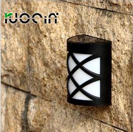 Outdoor Solar Power LED Light Light Control Energy Saving Fence Roof Gutter Garden Yard Wall Lamp Garden Street Lighting N763