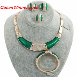 Wholesale 18K Western Africa White Crystal Green Gold Plated Jewelry Sets Necklace Braceletes Earing Ring Hot Sale Fahion Jewelry Sets For Women QW
