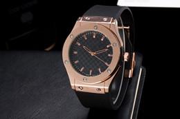 Wholesale 2016 Hot models Golden Skull Quartz Rubber watch High quality Men s luxury brand fashion watch hubs