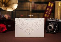 Wholesale Ivory luxury jewel laser cut wedding invitations cards hollow personalized Free print Engagement invitation card with envelope