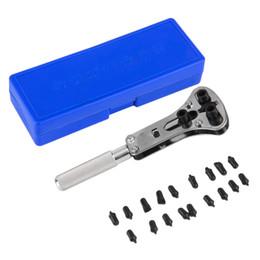 Regarder des pièces de réparation à vendre-Gros-Nouvelle Montre Repair Tool Vissé étanche Retour Opener Remover Horloger Tool Set Montre Opener avec 18 Pcs Replaceable partie