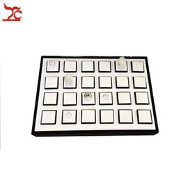 Classic Jewelry Display White Leatherette 24pcs lot Ring Holder Sheet Ring organizer Case White and Black Jewelry Display Tray