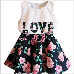 2016 new Summer Girl letter LOVE flower dress suits children cotton lovely Sleeveless vest T-shirt + floral skirt 2pcs suit baby clothes