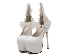Acheter en ligne Perles de diamant hauts talons-2016 Nouveau style Talons sexy diamant rivets talons hauts Mode perle sexy Femmes rondes talons hauts dals demoiselle d'honneur chaussures NN57