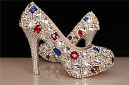 Perles de diamant hauts talons en Ligne-La nouvelle grande taille de cristal à talons hauts mariée mariage chaussures diamant robe de mariée princesse perle demoiselle d'honneur chaussures de mariage transparent 2016