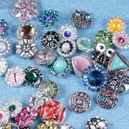 Hot wholesale 20pcs lot High quality Mix Many styles 18mm Metal Snap Button Charm Rhinestone Styles Button Ginger Snaps Jewelry