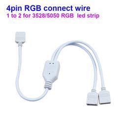 Promotion point de navire Livraison gratuite RGB LED Strip 4 broches connecteur 1 point de tourner à 2 points connecter 2pcs RGB LED bande en même temps