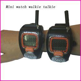 Wholesale Rado Pair Two Wrist Watch Way Radios LCD Radio Walkie Talkie Watch For Portable Radio Set Handy Talkie Transceiver Radio Scanner