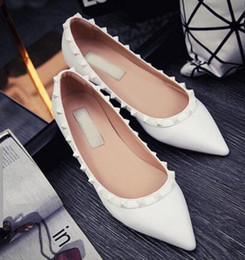 Most Popular women flats shoes 2016 new spring shoes Brand genuine leather shoes flat pointed rivets wome fashion shoes wedding shoes flats