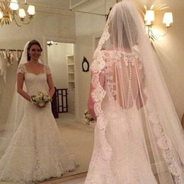 Vintage Elegant 1T Lace Applique Edge With Comb Lvory White ivory Wedding Veil Cathedral Bridal Veils 3M Length