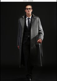 Wholesale Autumn and winter series emphasizes a perfect balance of fabric and cut out