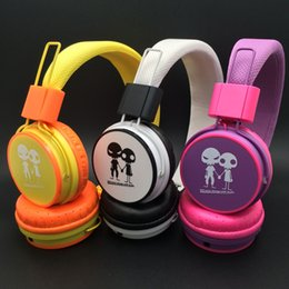 Wholesale Universal Headphones Massive Sound With Mic COLOR Headphones Good Quality Way Of The Audition Perfection Tone QUality Good Voice Fashion
