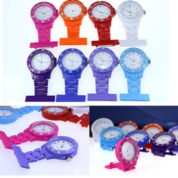 Wholesale Christmas Gift Colorful Nurse Brooch Fob Tunic Pocket Watch Silicone Cover Nurse Watches Multiple Color with Battery