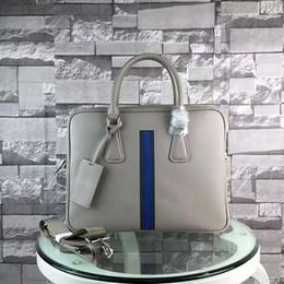 Sac d'affaires à vendre-Vente en gros célèbre designer hommes en cuir véritable BRIEFCASE Sac homme d'affaires réussie sacs ordinateur portable de haute qualité pour hommes 655