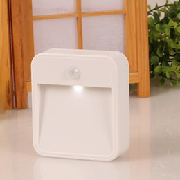 Wholesale Thin plug night lights Square night lights Intelligent human body infrared induction energy saving square lamp for Corner Bathroom