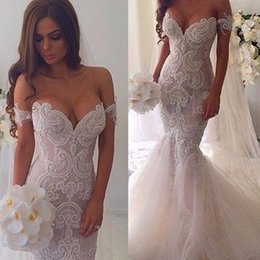 Sexy Lace Appliqued Long Wedding Dresses Mermaid Off Shouder Sleeveless Court Train Tulle Bridal Gowns dress gown