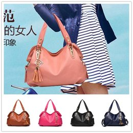 Wholesale High grade Cheap new classic casual fashion style soft fringed motorcycle bag portable women shoulder bag Messenger BAG80