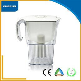 Wholesale table top handle transparent water filter cartridge alkaline izonic water filter pitcher with active carbon filter cylinder
