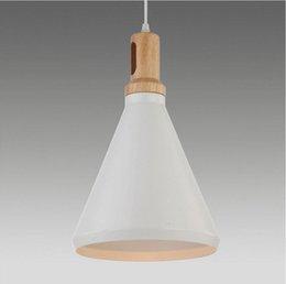 Wholesale Moderna creativa del pendente cono luci infissi e27 in legno di quercia e alluminio nord europa ikea bianco colore simple lampade a sospensi