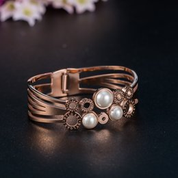 Wholesale Star same model Fashion Womens Jewelry Three Natural Pearl L Stainless Steel Titanium Bracelet for Women Gift Valentines Present Hot Sale