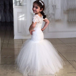 Amazing Mermaid Flower Girl Dresses Sheer Neckline Capped Sleeves Vintage Lace Appliques Soft Tulle Skirt Little Bride Formal Gowns