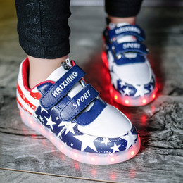 Wholesale Led USB Light Up Board Shoes United States Boys Girls For Kids Baby USA Casual Glow Students Sport Luminous Stars Charging Sneakers Shoe