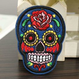 Wholesale 20 Patch DIY Flowered Skull Embroidered Patches Fabric Badges Iron On Sewing For Bags Patches Clothes Hat Decorative Ornament