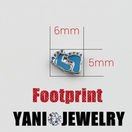 Wholesale DIY Cute Blue Baby Feet Floating Locket Charms Alloy Charms Pendants for Living Memory Glass Locket Necklaces
