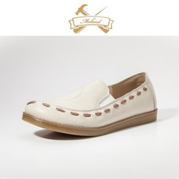 Wholesale Fast delivery new design comfort leather shoes hand made leather belt round toe flat rubber sole women shoes