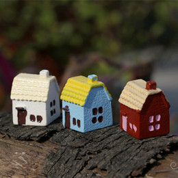 New hotsale mini colorful dollhouse house fairy garden miniatures gnomes moss terrariums resin craft for home decoration accessories diy