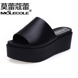 Wholesale Fashion woman shoes platform sandals word band slippers Summer with drill female cool slippers slippers large base sponge female sandals fl