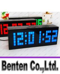 Wholesale NOUVEAU Horloge LED Horloge Jumbo Grande Digital Wall Alarme Horloge Monde Compte à rebours Bleu Rouge Vert Blanc Horloges LED Horloge LLFA8933