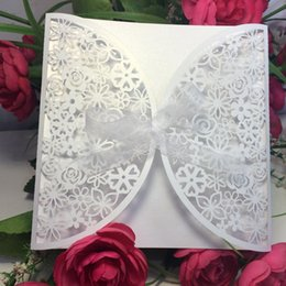 Wholesale High quality pearl paper Delicate Carved Butterlies Romantic Wedding Party Invitation Card for Wedding Business Party Birthday