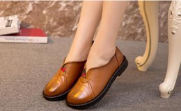 High quality Genuine Leather Shoes Woman Retro Loafers shoes flat 2016 New Soft and comfortable Fashion Casual shoes Anti-slip Women Flats