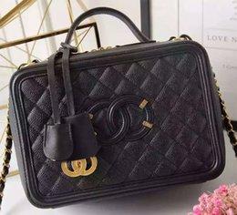Wholesale 2016 fashion Plaid makeup bag leather handbag chain Totes bag inclined shoulder bag caviar head layer cowhide big female bag Camera bag
