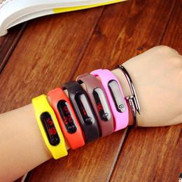 Descuento pantallas digitales rectángulo Deportes llevó relojes digitales de la pantalla táctil del cinturón de goma de silicona pulseras relojes de pulsera llevaron catálogo E1531 reloj táctil