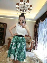Wholesale women latest world fashion grace noble dresses jacket skirt suit no sleeve diamond banana flower very good cloth