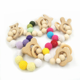Wholesale 5pcs Sale Baby Teether Safe Wood Infant Teething Toys Animals Flower Teether Crochet Beads Baby Gift Regalo Para Bebe T817