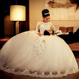 Vintage Ball Gown Wedding Dresses 2016 with Long Sleeve Lace Flowers Puffy Robe De Mariage Bridal Gowns