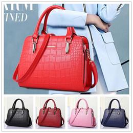 New arrival cheap hot fashion style zipper crocodile grain women handbag shoulder Messenger cross-section BAG85