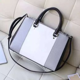 Wholesale THENEW Classic cross pattern Handbag the original leather production leather handbags with advanced metal leather Ms