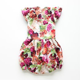 Wholesale 2016 summer baby rompers with big flowers cute style in different colors for baby