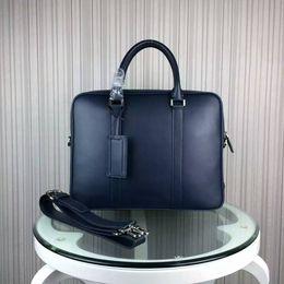 Sac d'affaires à vendre-Nouveau arrivent les hommes en cuir véritable BRIEFCASE Sac à main d'homme d'affaires réussi célèbre sacs ordinateur portable concepteur b62