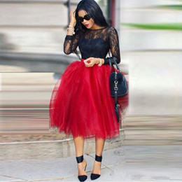 Wholesale Lovely Red Puffy Tulle JupeS pour Femmes African Black Girls Party Robes Custom Made Tea Longueur Tutu Maxi Casual Skirts Ball Gown