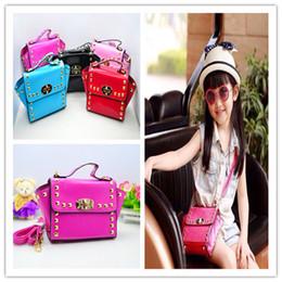 New Fashion Style Kids Tote Bag Rivet Girls Mini Designer Hand Bags Girl Shoulder Bag Children Handbag Purses Cute Baby Handbags